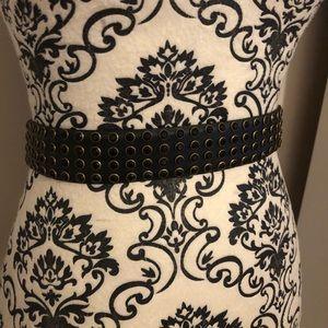 Vince Camuto waist belt